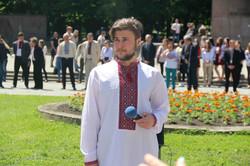 """Студенти та викладачі Франкового вишу """"стали у вишиванку"""" (ФОТО)"""