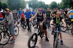 Львів`яни встановили рекорд до Всеукраїнського Велодня (ФОТО)
