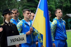 У Львові спортсмени-пожежники змагаються між собою: видовищні кадри (ФОТО)