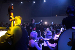 """Балет """"Життя"""" замість балерин на танках: у Львові бронетанковий завод став концертним майданчиком (ФОТО)"""