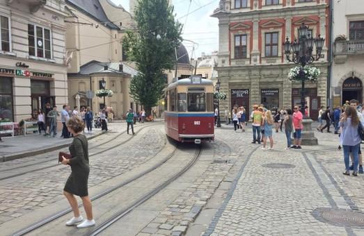 На вулиці Львова виїхали ретро-трамваї (ФОТО, ВІДЕО)