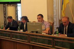 Як львівські депутати попрацювали і пішли у відпустку (ФОТО, ВІДЕО)