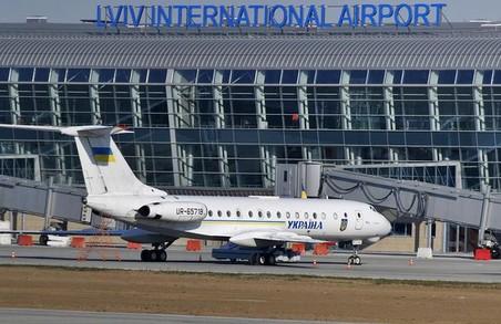 У Львові обстежують літак: пасажирка повідомила про бомбу