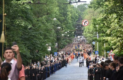 Львівщина провела в останню дорогу Блаженнішого Любомира батаготисячною траурною процесією