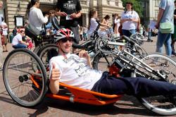 У Львові благодійники на велосипедах збирають кошти для онкохворих (ФОТО)