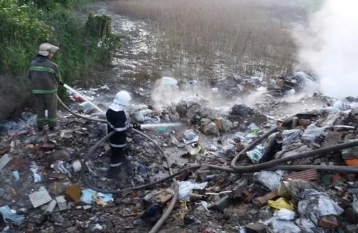 Націоналісти вимагають припинити політичну вакханалію зі сміттям у Львові