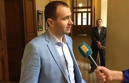 Депутат вимагає звіту про використання коштів на вивезення львівського сміття
