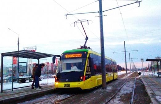 На Сихові запрацювала кінцева трамвайна зупинка по вул. Вернадського