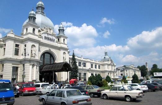 Напрацьовано попередній ескіз площі Двірцевої у Львові