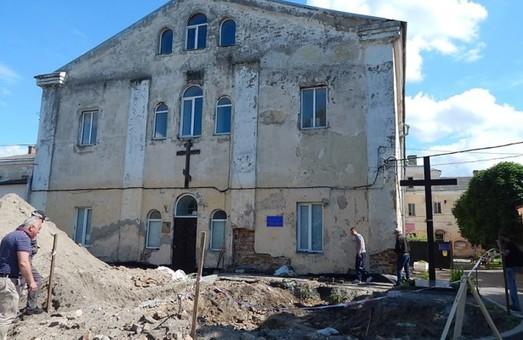 Реконструкція чи знищення: що відбувається у стінах луцького Монастиря бригідок