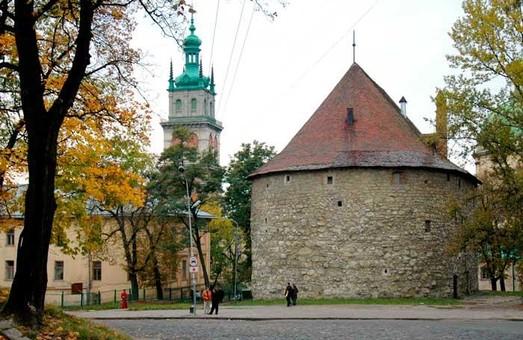 Сходи біля Порохової вежі у Львові відремонтують