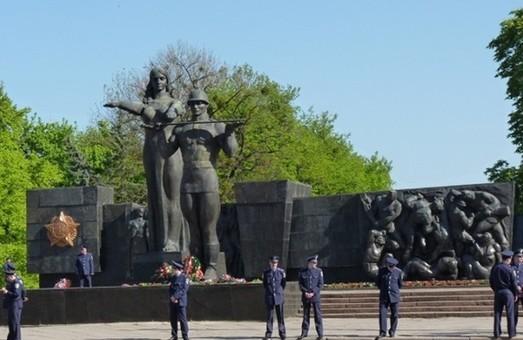У Львові збирають підписи мешканців, щоб подати Місцеву ініціативу про демонтаж Монумента Слави