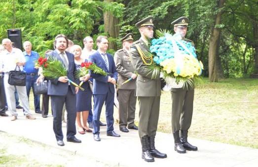 До Дня скорботи і вшанування пам'яті жертв війни на Львівщині відбулись поминальні заходи