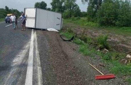 У ДТП на Львівщині загинув водій вантажівки