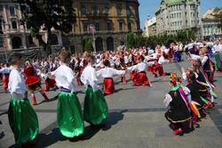Наймасштабніше виконання гопака у Львові: видовищні кадри (ФОТО)