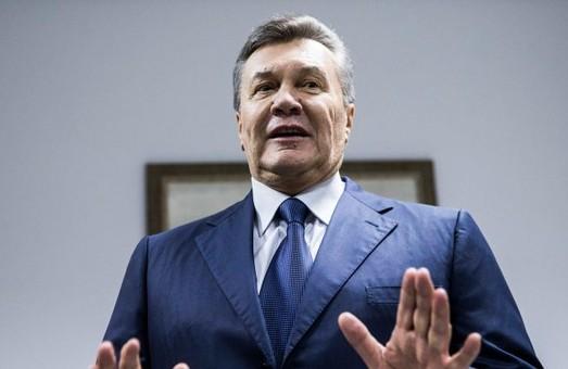 Янукович звільнив своїх адвокатів
