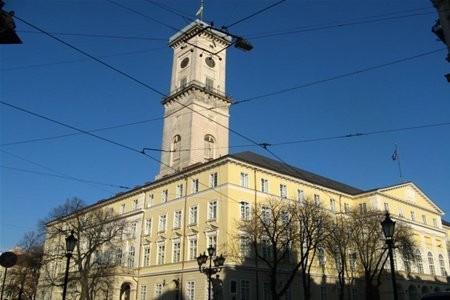 З львівського бюджету виділили 196, 3 млн грн. На ремонт доріг - понад 70 млн грн.