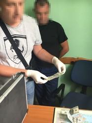На Львівщині на хабарі затримали рятувальника