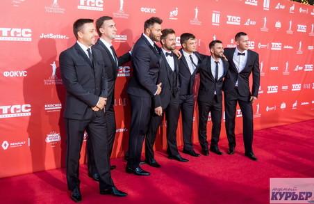 """Хто побував на """"Червоній доріжці"""" Одеського кінофестивалю: фото"""