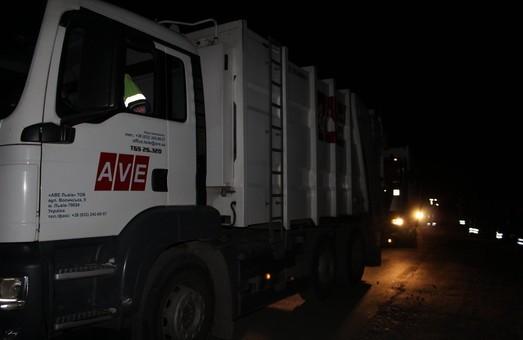 Львівська ОДА надасть правоохоронцям всі номерні знаки сміттєвозів