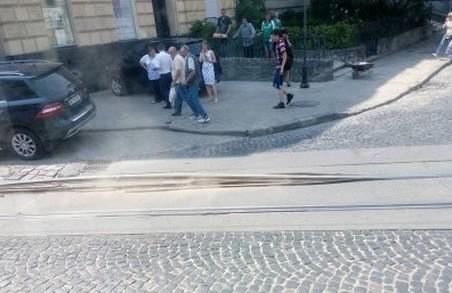 У Львові через спеку плавляться рейки