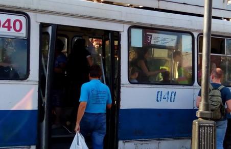 Львів'яни просять повернути термінали з квитками на проїзд у електротранспорті