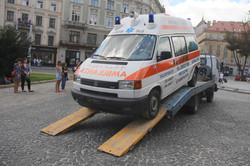 Зі Львова до батальйону «Госпітальєри» вирушає оснащений реанімобіль  (ФОТО)
