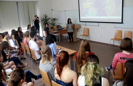 У Львові 25 школярок зі всієї України презентували унікальні ІТ-проекти соціального значення (ФОТО)