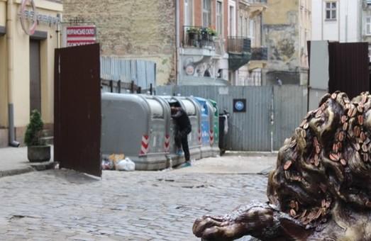 Досі є сміття в Франківському районі