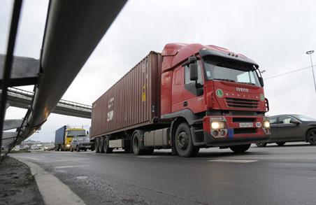 За липень 100 водіїв вантажівок притягнуті до відповідальності