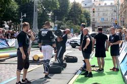 Як у Львові стронгмени помірялись силами (ФОТО)
