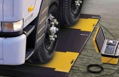На Львівщині оштрафували перевізника за порушення ваги вантажу