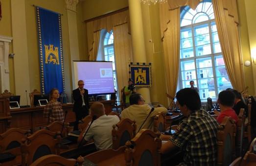 Візьми і зроби: Садовий піднімає вартість проїзду у електротранспорті Львова