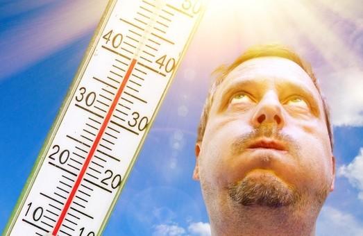 Температура на Львівщині підніметься до +34°: поради як себе вберегти від спеки