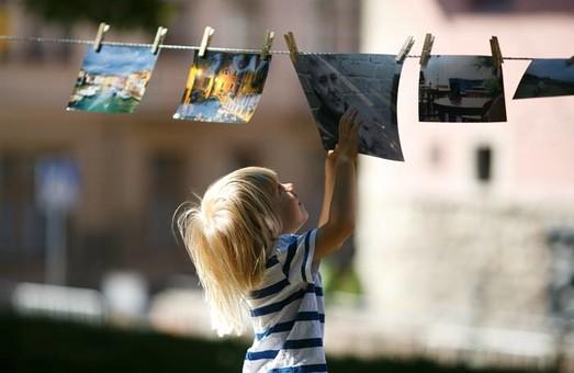 У неділю у Львові відбудеться благодійна фотосушка «На прищепках»