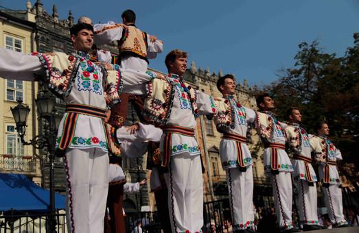 У Львові триває великий Міжнародний фестиваль українського танцю та культури (ФОТО)