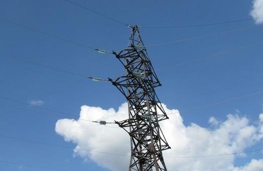 15 сіл та два міста опинились без світла на Львівщині