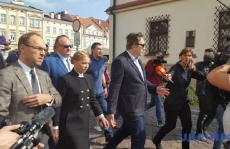 """Тимошенко долучилася до брифінгу Саакашвілі в """"Леополісі"""""""
