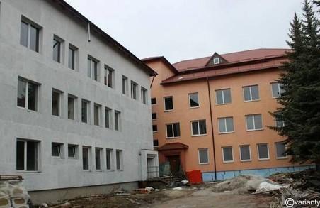 Депутати Львівської облради вимагатимуть від міськради фінансування перинатального центру