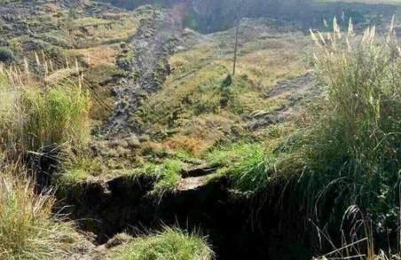 В наслідок землетрусу на Львівщині обрушилися опори ліній електропередач