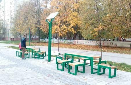 Львівські перехожі тепер можуть зіграти у шахи