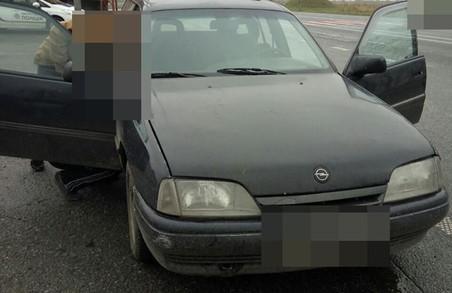 Львівські патрульні знайшли підозрілу машину