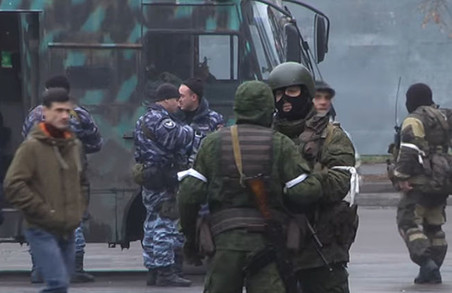 Полюючи один на одного, луганські терористи розстріляли «швидку допомогу»