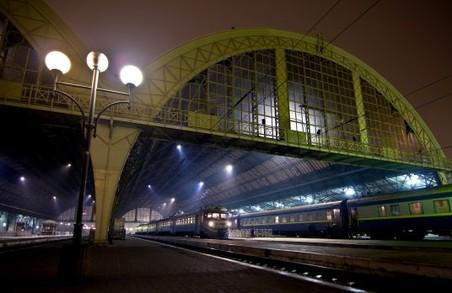 Через підозрілий «дипломат» на Львівському вокзалі проводяться заходи безпеки