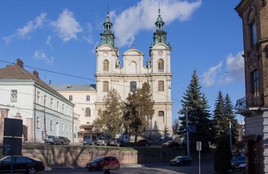 Навесні у центрі Львова зміниться схема руху транспорту
