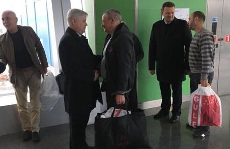 6 років полону: українці нарешті вернулись до своїх домівок