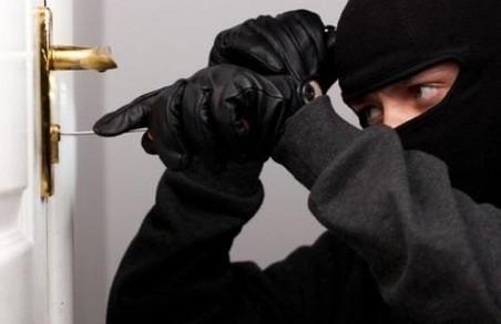 У Львівській області злочинці розкрадали приватні приміщення