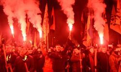 Смолоскипний марш пам'яті Шухевича у Львові пройшов під антипольськими гаслами (ФОТО)