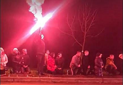 Похорони героя: Червоноград зустрів тіло друга Баррета, стоячи на колінах