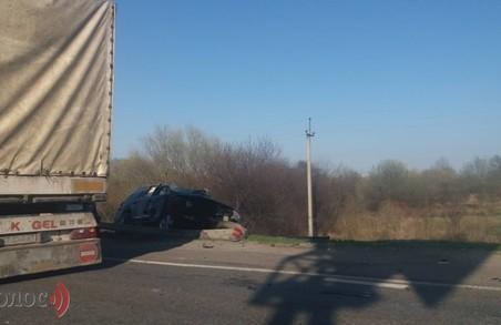 Масштабна ДТП трапилася поблизу Львова: постраждали діти